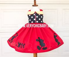 Artículos similares a White crochet Minnie mouse dress set with lace ruffles. Perfect for summer pictures en Etsy Mickey Mouse Dress, Minnie Mouse Birthday Outfit, Minnie Dress, Pink Minnie, Mouse Outfit, Disney Vacation Outfits, Vacation Ideas, Cream Party Dresses, Little Mermaid Dresses