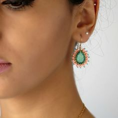Swarovski teardrop earring Turquoise dangle por LioraBJewelry