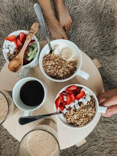 10 Habits To Adopt For A Successful Morning Routine Quinoa Breakfast Bars, Breakfast Ideas, Breakfast Recipes, Acid Reflux Recipes, Reflux Diet, Reflux Baby, C'est Bon, Best Diets, No Carb Diets