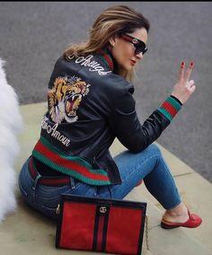 "Vogue 🌺 Paris on Instagram: ""@fashioncoops . . . . . #basarafashionstyle #fabulous #fashionista #fashionweek #fashionlover #fashionblogger #fashionstyle #fashionable…"" Paris Chic, Street Style Trends, City Style, Casual Fall, Vogue Paris, Unique Fashion, Paris Fashion, Stylish Outfits, Autumn Winter Fashion"
