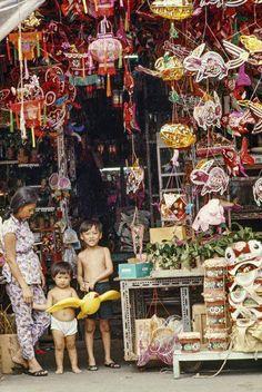 Mooncake Festival lanterns in a shop. Photo credit: Alex Ho.