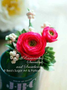 {Nice sugar Ranunuculus by Bea's Sugar Art & Patisserie}