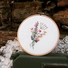 #Handmade #Handmadewithlove #Hoop #Bastidor #Bordar #Broderie #Embroidery #Bordadolivre #Nedlework #Nedlepoint #Flores