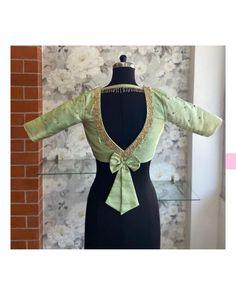 "Intish by Chintya ™️ on Instagram: ""We make all backs look good. 😎 . . . . . #blousedesigns #blouses #blousedesign #blousehub #indianblouse #indianblousedesigns #indianblouses…"" Indian Blouse, Make All, Blouse Designs, Blouses, Instagram, Blouse, Woman Shirt, Hoodie, Top"
