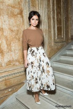 lines of shirt, neck, with lond skirt, shoes - retro vibe