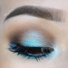 Bright sky blue halo eye using Viseart's Colorful eyeshadow palettes, Sugarpill Cosmetics Candy Crush eyeshadow, and Tartelette In Bloom palette. I wanted to do something colorful and fun, and blues + purple shadows are my absolute favorite!