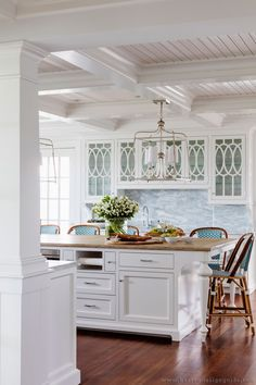 Clean New England Style Kitchen (Interior Design by Weena & Spook Interiors)