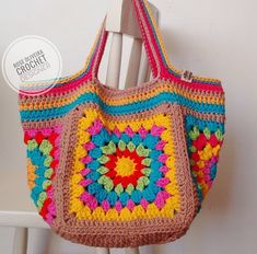 "New Cheap Bags. The location where building and construction meets style, beaded crochet is the act of using beads to decorate crocheted products. ""Crochet"" is derived fro Mode Crochet, Bag Crochet, Crochet Handbags, Crochet Purses, Crochet Granny, Crochet Crafts, Crochet Clothes, Crochet Shell Stitch, Crochet Stitches"