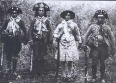Barra Nova, Juriti, Neném e Sabonete, do bando de Lampião, 1936. Foto B. Abrahão, Aba-Film.