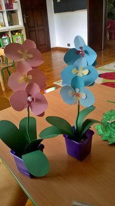 40 Easy DIY Spring Crafts Ideas for Kids diy - Diy and crafts interests Spring Crafts For Kids, Diy Crafts For Kids, Arts And Crafts, Kids Diy, Flower Crafts, Diy Flowers, Paper Flowers, Diy Simple, Easy Diy