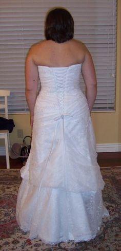 mesh dress with bustle Wedding Dress Bustle, Wedding Dresses, Heavy Dresses, Wedding Stuff, Wedding Ideas, Light Dress, Beautiful Wedding Gowns, Mesh Dress, Sewing Tips