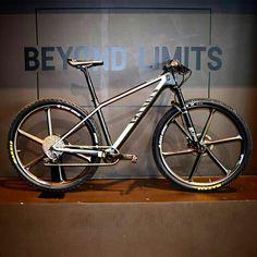 Look Bicycles, Trek Mountain Bike, Mountian Bike, Mtb Bicycle, Fat Bike, Bike Style, Road Bikes, Road Cycling, Sport Bikes