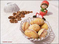 "Fursecuri ""nuci"" Muffin, Breakfast, Food, Morning Coffee, Essen, Muffins, Meals, Cupcakes, Yemek"