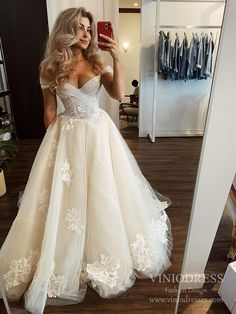 Off the Shoulder Tulle Wedding Dresses Floral Appliqued Bridal Gown VW – Viniodress