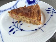 MULLEHUSET.DK: Hurtig rabarberkage Rhubarb Recipes, Tiramisu, French Toast, Pie, Breakfast, Ethnic Recipes, Food, Torte, Morning Coffee