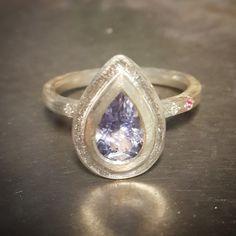Beautiful ring by Gili Forshmit www.ornamentostud...
