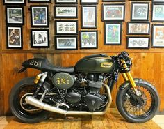 T-shirt moto : Les Meilleurs Tee Shirts Triumph Thruxton 900, Triumph Bonneville, Triumph Motorcycles, Vintage Motorcycles, Custom Motorcycles, Custom Bikes, Hot Bikes, Motorcycle Design, Yamaha