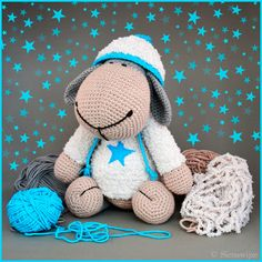 A star is born! ✨  Crocheted huggable gift for a lovely little cousin.  #crochet #amigurumi #yarn #cotton #wool #cuddletoy #handmade #gift #sheep #lamb  Handmade by Sienswijze.
