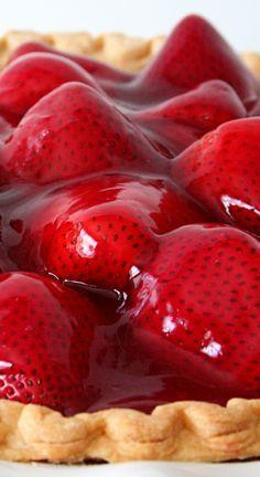 Strawberry Desserts Discover Strawberry Pie Strawberry Pie Recipe Its a winner! Easy Strawberry Pie, Strawberry Desserts, Köstliche Desserts, Delicious Desserts, Alcoholic Desserts, Fresh Strawberry Pie Recipe With Jello, Strawberry Patch, Fruit Recipes, Dessert Recipes