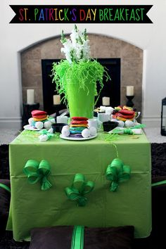 St. Patrick's Day Rainbow Breakfast by @Worth Pinning for Positively Splendid
