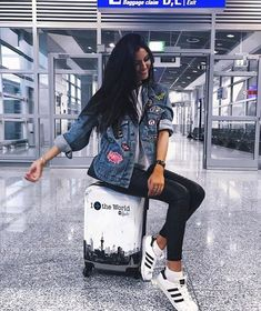 Fotos airport 35 Fabulous Bling Women Outfits for Travel Airport Style Girl Photography, Travel Photography, Airport Photos, Photo Instagram, Airport Style, Airport Outfits, Tumblr Girls, Girly Outfits, Travel Outfits