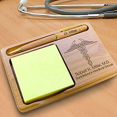 Gift for doctors: personalized wooden notepad and pen holder for doctors #giftsfordoctors