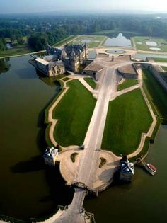 Château de Chantilly, Picardy, France @}-,-;--