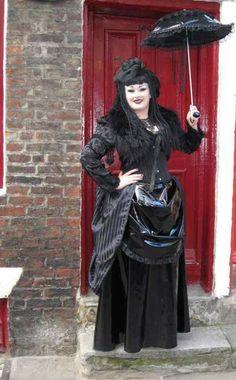 Victorian goth. Steamgoth Dark Fashion, Gothic Fashion, Victorian Fashion, Victorian Gothic, Gothic Lolita, Dark Gothic, Dark Beauty, Gothic Beauty, Diesel Fashion