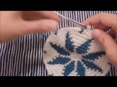 How to crochet a tapestry crochet base with a snowflake design. A step-by-step video tutorial brought to you by AllTapestryCrochet.com. (wayuu style)