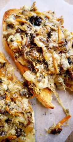 Wild Mushroom Melts - The Londoner - Bratlinge & Belegtes - Recipe author Sandwiches, Wild Mushrooms, Stuffed Mushrooms, Mushrooms On Toast, Breakfast Mushrooms, Mushrooms Recipes, Vegetarian Recipes, Cooking Recipes, Healthy Recipes