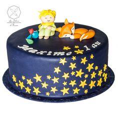 Cake design. Gâteau personnalisé en pâte à sucre sur le thème Le Petit Prince et son renard. Sugar paste The Little Prince themed cake with fox by Les Délices de Marion.