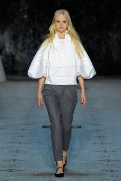 Dice Kayek | Spring 2016 Couture | 04 White 3/4 sleeve top and grey trousers