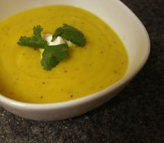 Housewife Fantasies: Cauliflower and Cilantro Soup