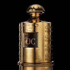 LES ROYALES EXCLUSIVES GILDED EDITION - CREED Fragrances UK  Flacone da 500 ml ricoperto con foglia d'oro e personalizzato con iniziali. Può contenere solo la collezione Les Royales Exclusives. Tempo di attesa dall'acquisto: circa 16 settimane.