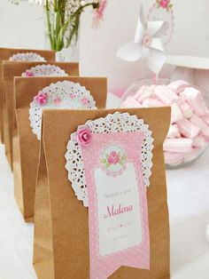 The 3 Pieces of Furniture Essential for a Shabby Chic Bedroom – We Shabby Chic Paper Doily Crafts, Scrapbook Paper Crafts, Diy Crafts, Cumpleaños Shabby Chic, Wedding Aniversary, Butterfly Birthday, Ideas Para Fiestas, Party In A Box, Wedding Favours
