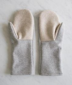 Simple Felted Wool Mittens in Lana Cotta Canberra -- free pattern on The Purl Bee Sewing Patterns Free, Free Sewing, Knitting Patterns, Hat Patterns, Stitch Patterns, Free Pattern, Sweater Mittens, Old Sweater, Fingerless Mittens
