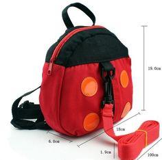 Mochila con arnés para tener controlados a los niños en sitios muy concurridos; mientras estamos ocupadas pagando una cuenta o chequeando. Son mochilas divertidas que contienen la correa extensible en su interior.  Precio: 6.50€