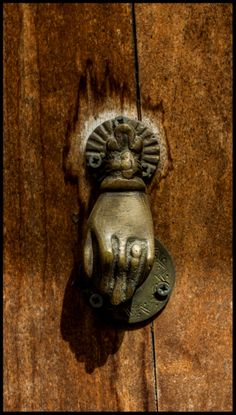 Crest Drôme Diois drome porte http://www.art-musique-drome.com/