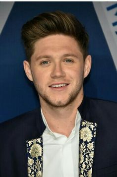 Niall at the CMA awards