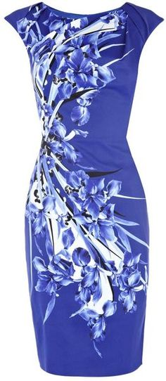 he elegant Karen Millen Signature Print Dress Blue is crazily loved by more and more women and girls all over the world . The latest fashionable karen millen dress can make you look more charming and attractive. Karen Millen, Style Work, My Style, Vetements Clothing, Marine Uniform, Pencil Dress, Pretty Dresses, Beautiful Outfits, Dress To Impress