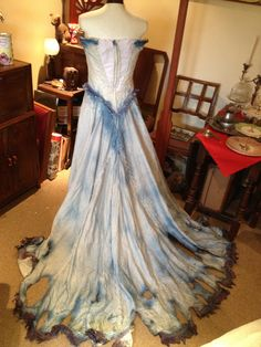 handmade-corpse-bride-costume-back