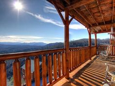 Luxury 1 BR Cabin *Spectacular Mountain Views* JUKEBOX & Arcade Games!
