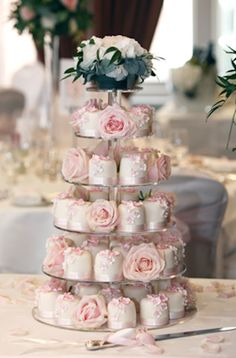 Miniature wedding cakes! So pretty! this idea is starting to grow on me.