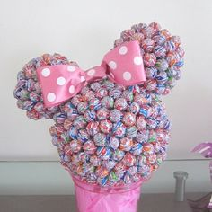 Items similar to Minnie dum dum centerpiece on Etsy Minnie Birthday, Mickey Minnie Mouse, Decoration Buffet, Candy Arrangements, Candy Crafts, Chocolate Bouquet, Candy Bouquet, Lollipop Bouquet, Festa Party