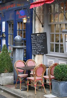 ~ Paris Cafe ~*= This is at the top of my dream list along with going to Tuscany
