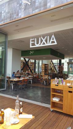Restaurant Fuxia. Lyon. Confluence. photo personnelle Marie-Lys. 2015.