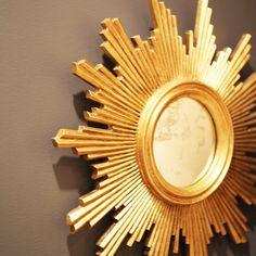 @worldsaway1 is brightening up our Monday. #sunburst #mirror