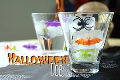 Make your halloween beverages just a little scary with this simple Halloween Ice!  #halloweenrecipe #halloweencrafts #halloweenparty