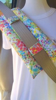 Heart Surgery Pillow - Breast Cancer Survivor Gift - Seat belt Pillow - Surgery Gifts - Post Surgery - Seat Belt Pillow - Mastectomy Pillow - Best Sewing Tips Sewing Hacks, Sewing Tutorials, Sewing Patterns, Sewing Tips, Fabric Crafts, Sewing Crafts, Diy Crafts, Breast Cancer Survivor Gifts, Survivor Survivor