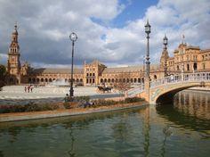 Seville la colorée, l'originale. Une balade originale, artistique et gourmande! Let Sevilla enchant you! Let's walk along the streets and taste local tapas!  http://www.good-spot.com/fr/pages/balade-et-gourmandise-a-seville-spot-1823.php